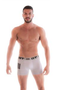 cueca boxer com listras nas pernas