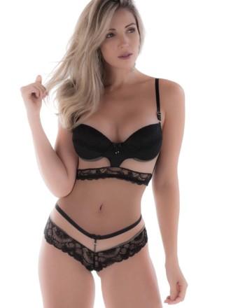 Conjunto de lingerie com tule