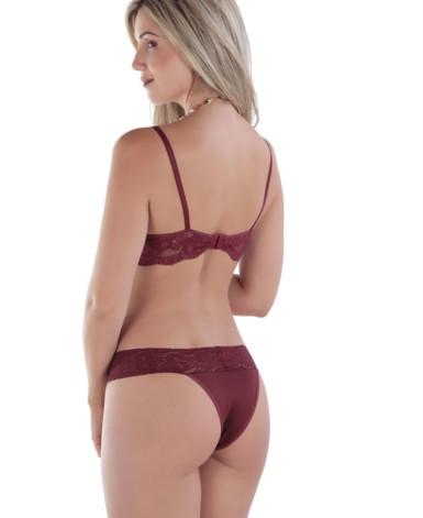 Body feminino sensual em renda