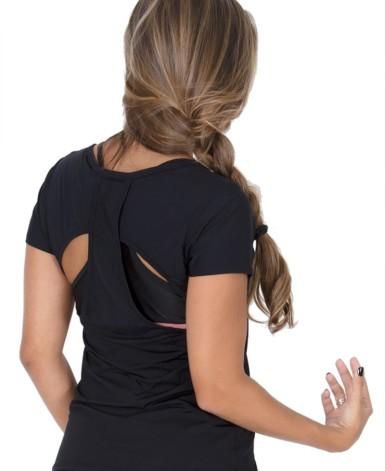 Blusa fitness com corte a lazer